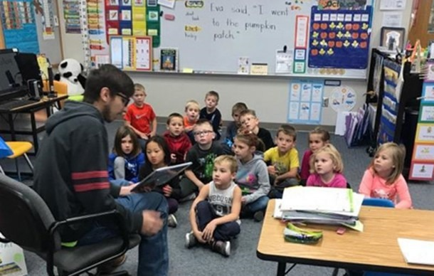 High School Ag Students Start Reading Program With Kindergarten