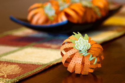 Super Easy Pumpkin Centerpieces To Decorate Your Thanksgiving