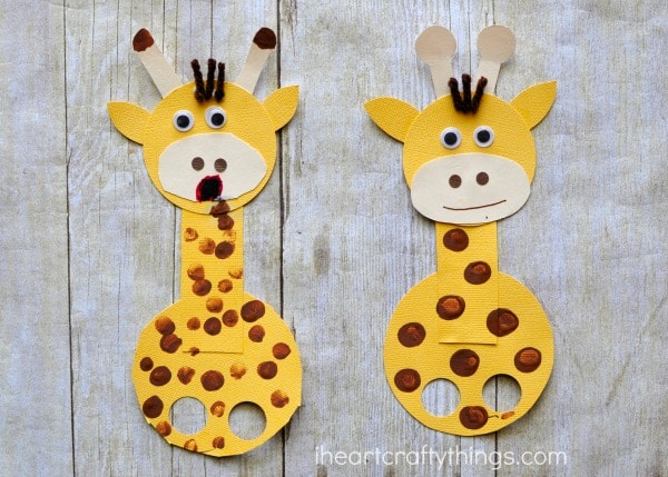 Adorable Finger Puppet Giraffe Craft