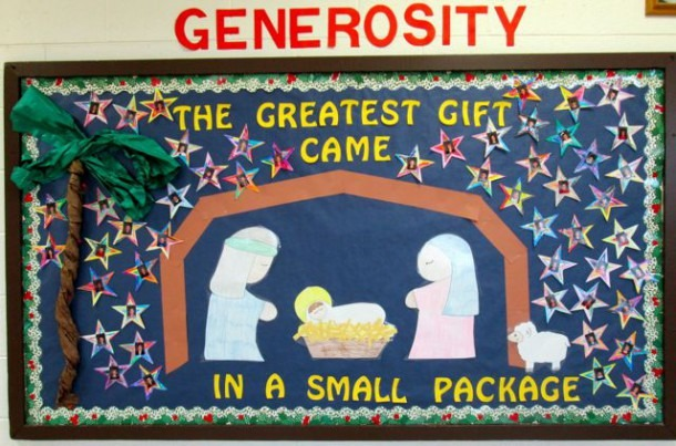A Christmas Bulletin Board And A Huge Giveaway!